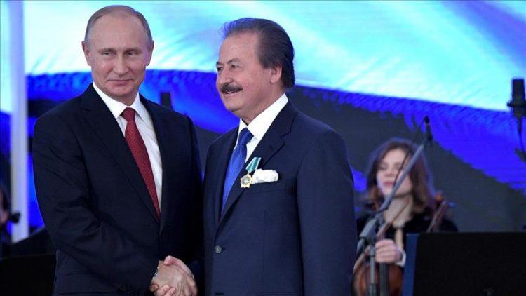 Türk iş adamı, Rus Dostluk Nişanı (Madalya) Vladimir Putin takdim etti